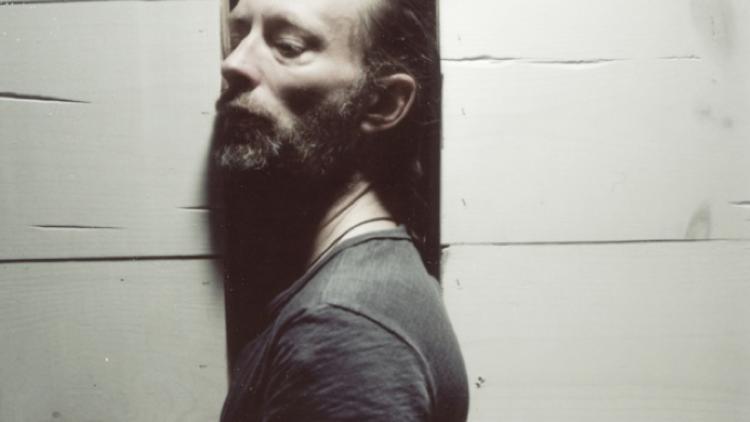 "Escuchen a Thom Yorke en la banda sonora del documental ""The UK Gold"""