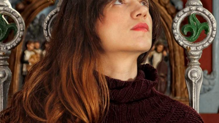 Trilogía Femenina: María Rodes - España