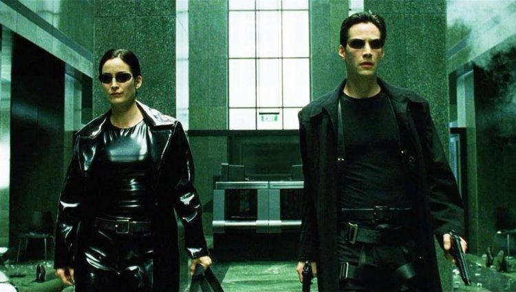 Keanu Reeves y Carrie-Anne Moss vuelven al ruedo.