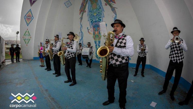 Fotografías tomadas de la página de Facebook Carnaval de Negros y Blancos de Pasto y Galeras Rock