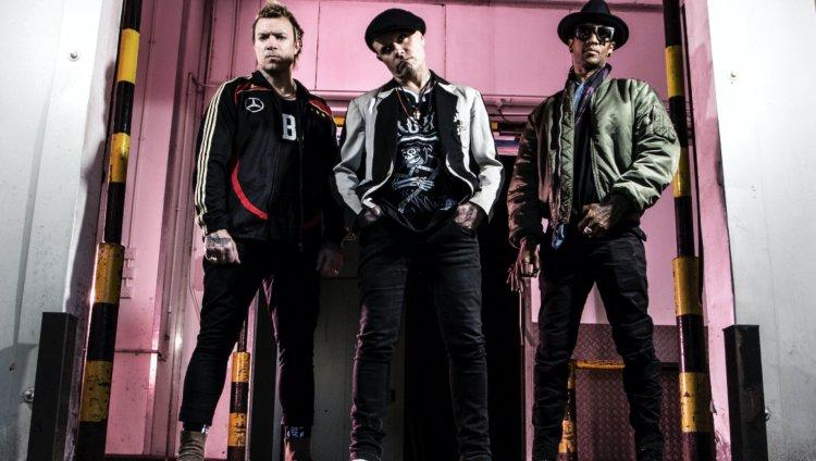 Liam Howlett, Keith Flint y Maxim Reality forman The Prodigy