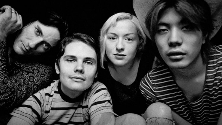 Formación original de The Smashing Pumpkins Jimmy Chamberlin (Batería), Billy Corgan (Guitarra, Voz), D'arcy Wretzky (Bajo), y James Iha (Guitarra)