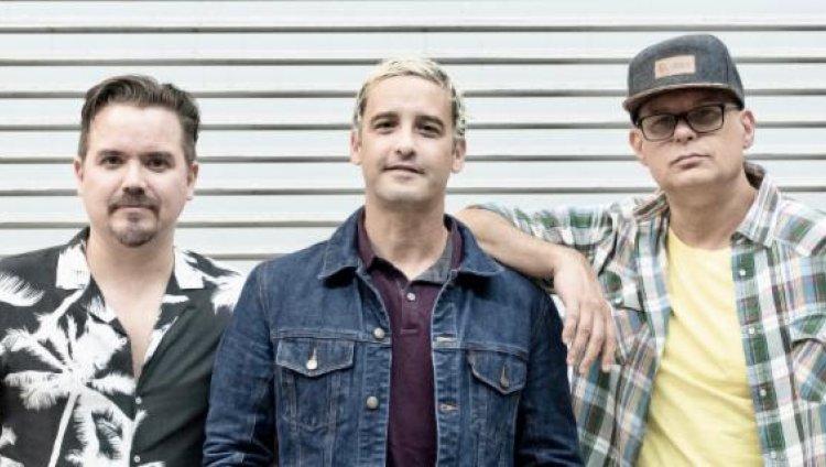 Los Amigos Invisibles banda venezolana formada en 1991.