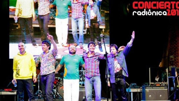 La Derecha en vivo en el Concierto Radiónica 2011
