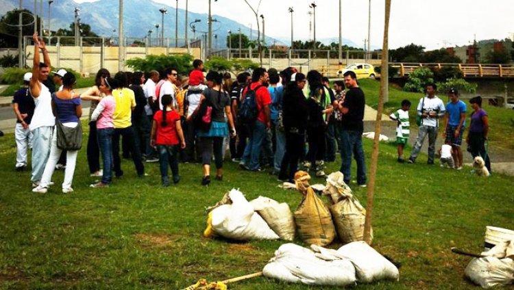 Junto a Providencia, Tr3s de Corazón, Mr. Bleat y todo el parche paisa Recodificamos en Medellín