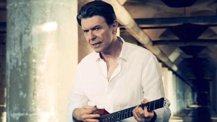 David Bowie es protagonista del vídeo de 'Valentine's Day'