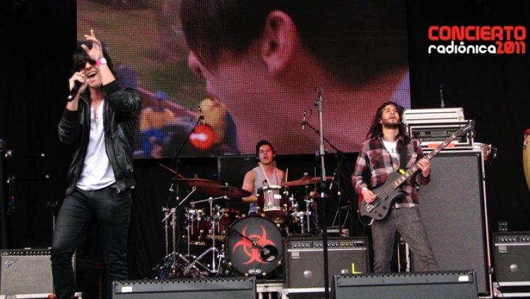 El Sinsentido: La juventud llega al #conciertoradionica
