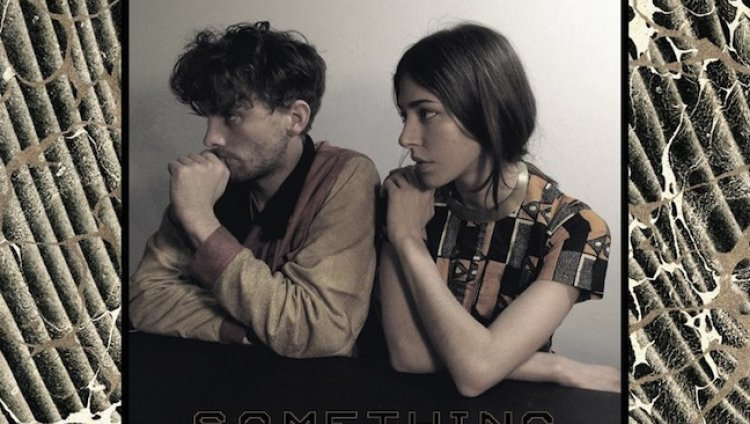"""Something"" de Chairlift"