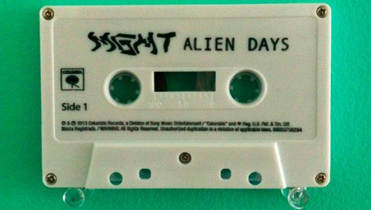Un alien en las cabezas de MGMT