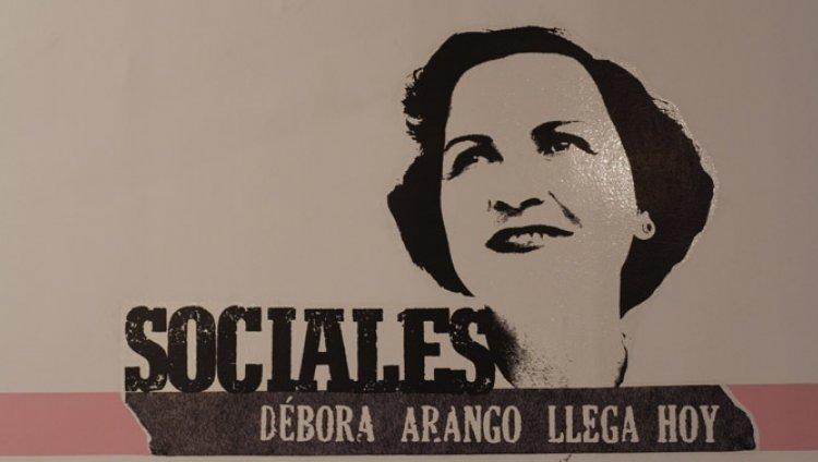 Débora, Sociales de rebeldía y lucidez