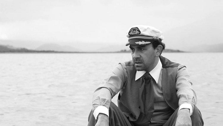 """""""Sin mover los labios"""" del Director Carlos Osuna"""
