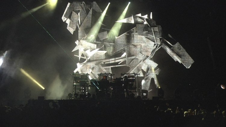 """Don't Think"" es Chemical Brothers en vivo"