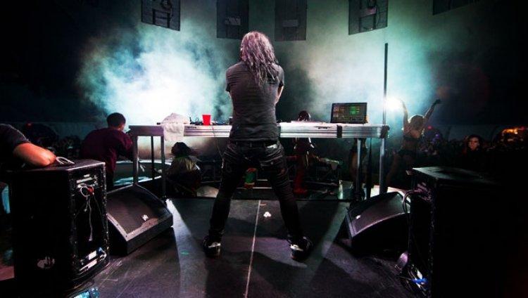 Todos quieren con Skrillex (ahora Damian Marley)