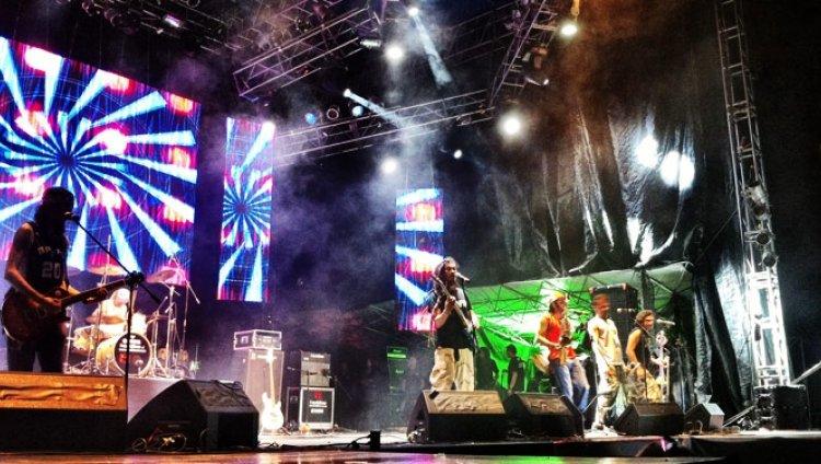Especial transmisión multimedia en vivo del Festival Altavoz 2011