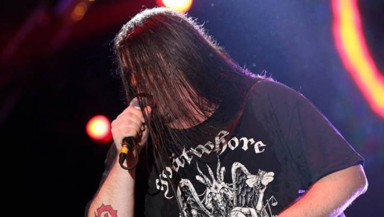 El escenario se tiñó de rojo y Cannibal Corpse cerró un día cargado de metal