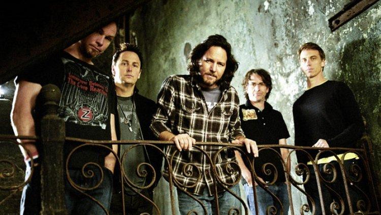 """Lo nuevo de Pearl Jam será """"corto, afilado, duro y ruidoso"""""""