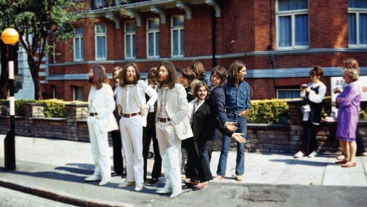Vean lo que pasa en Abbey Road 48 años después de la famosa foto