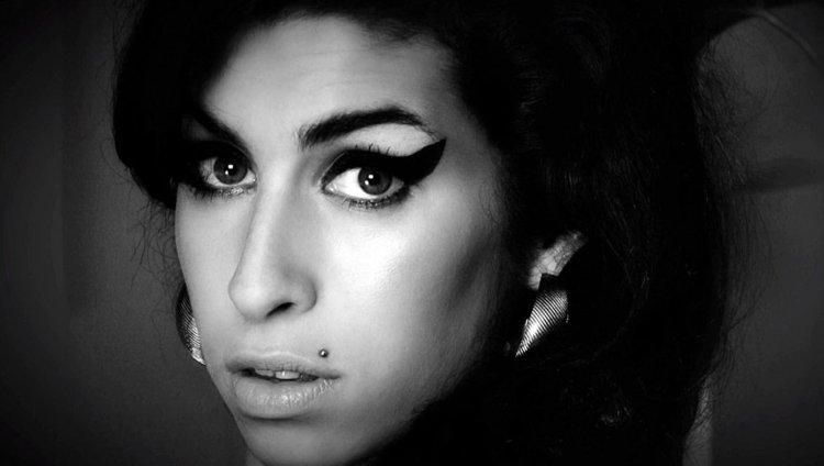 Amy Winehouse murió por la excesiva ingesta de alcohol en Londres el 23 de julio de 2011
