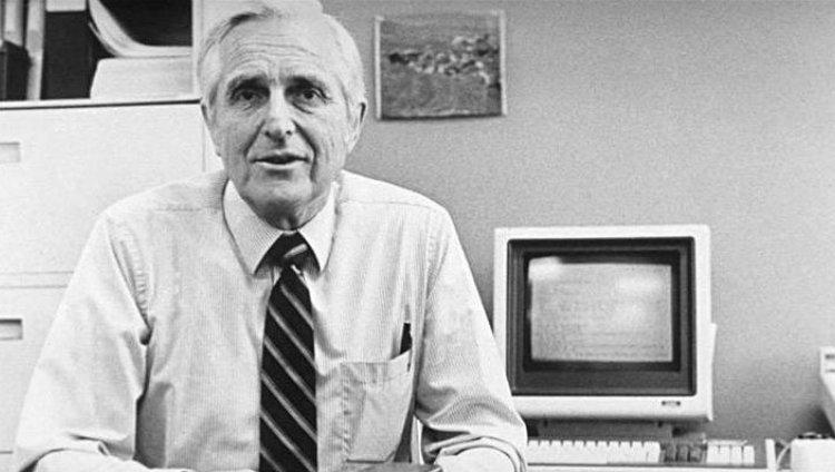 Murió Doug Engelbart, el inventor del mouse