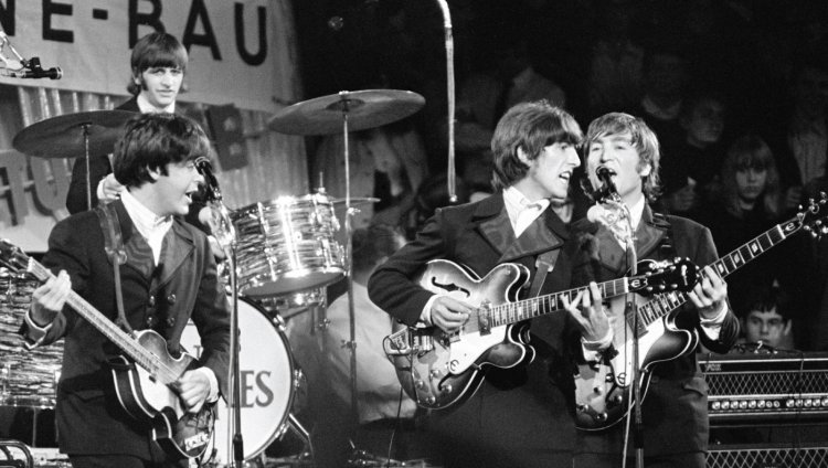 """Eight Days a Week"" es una canción escrita por Lennon y McCartney para los Beatles para el álbum ""Beatles For Sale""."