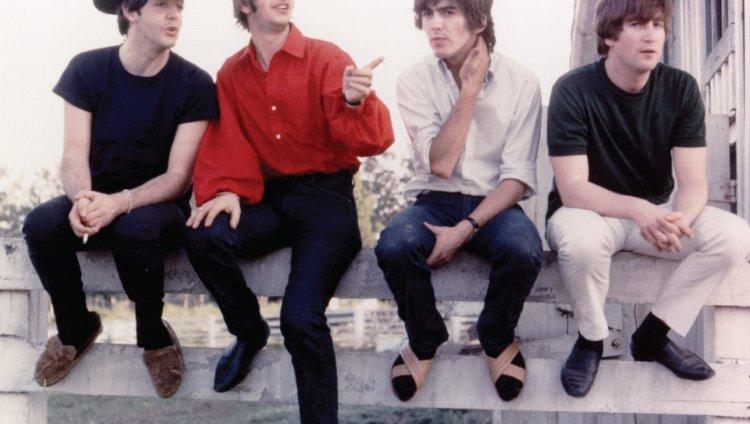 El día que más se escucha a The Beatles en Spotify es el jueves.