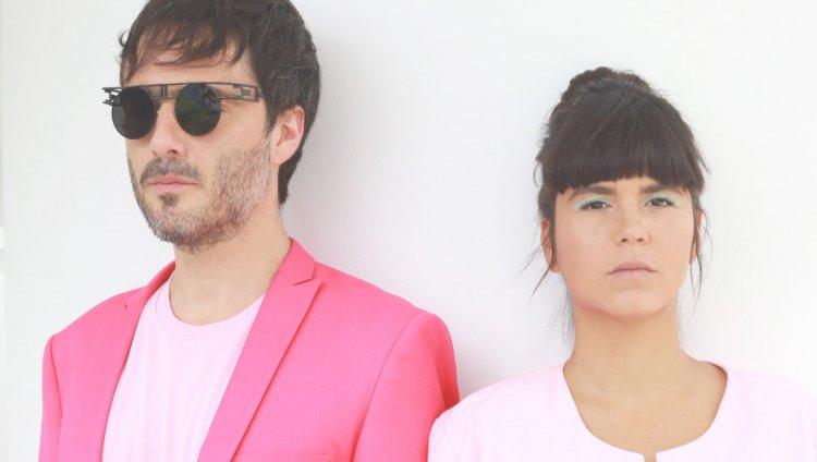Simón Mejía y Li Saumet, Bomba Estéreo. Foto cortesía de la banda.