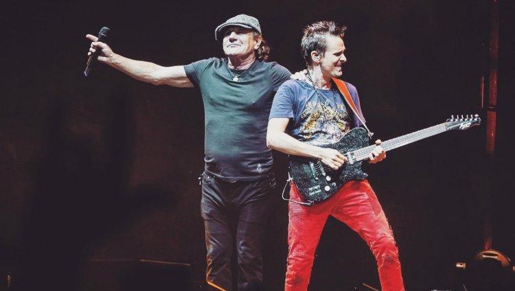 Brian Johnson regresó a los escenarios con Muse