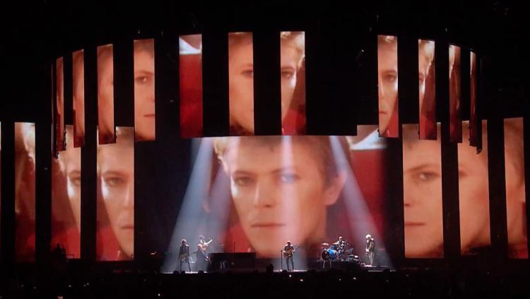 El sentido homenaje de Lorde, Annie Lennox y Gary Oldman a David Bowie