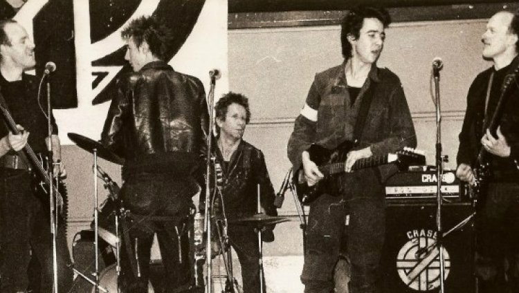 Héroes del punk: Crass y la muerte del punk