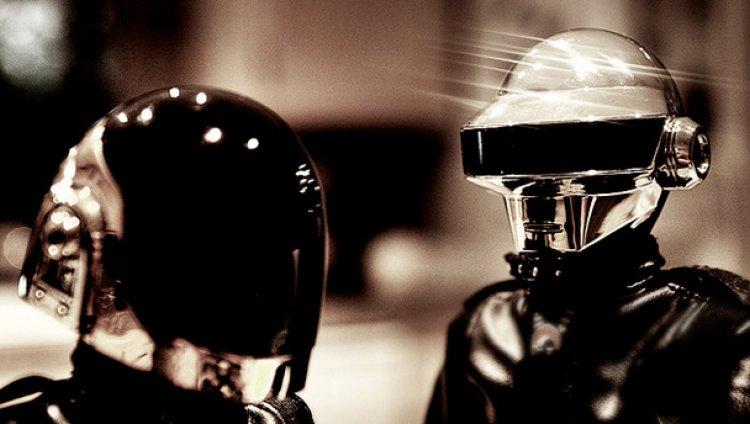 Guy-Manuel de Daft Punk sería un robot en solitario