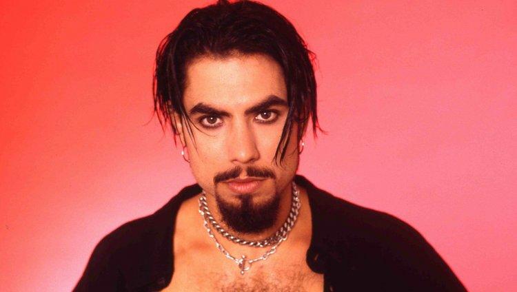 Red Hot Chili Peppers desempolva canción inédita con Dave Navarro