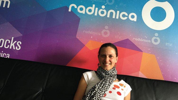 Diana Osorio de La Burning Caravan en Entrevistas Radiónica