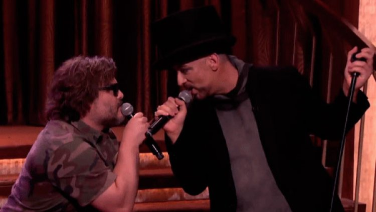Robby Krieger, Jack Black y Boy George interpretan 'Hello, I love you'