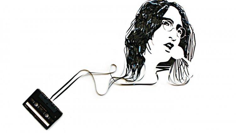 11 artistas retratados con cintas de casetes