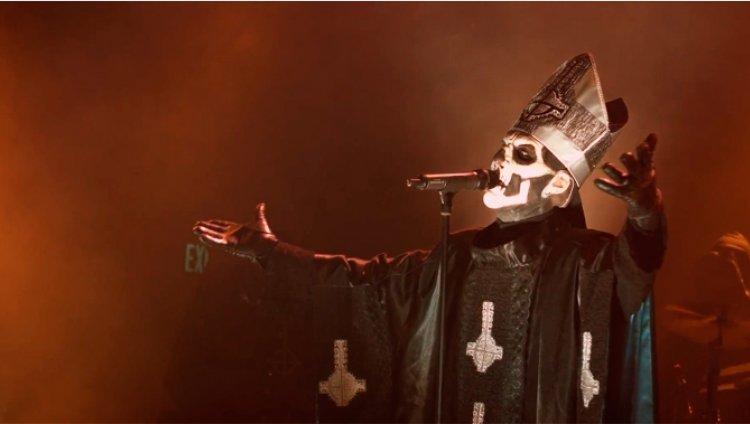 """""""Monstrance Clock"""" es el nuevo vídeo de Ghost B.C"""