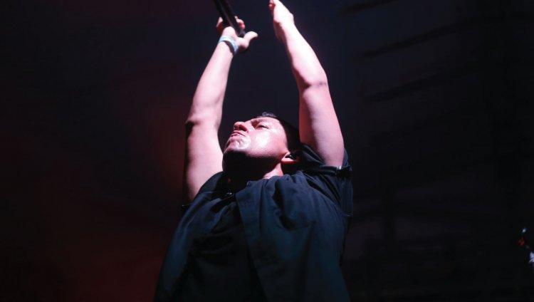 Nicolás Barragán, vocalista de LosPetitFellas. Foto Concierto Radiónica Barranquilla 2016.