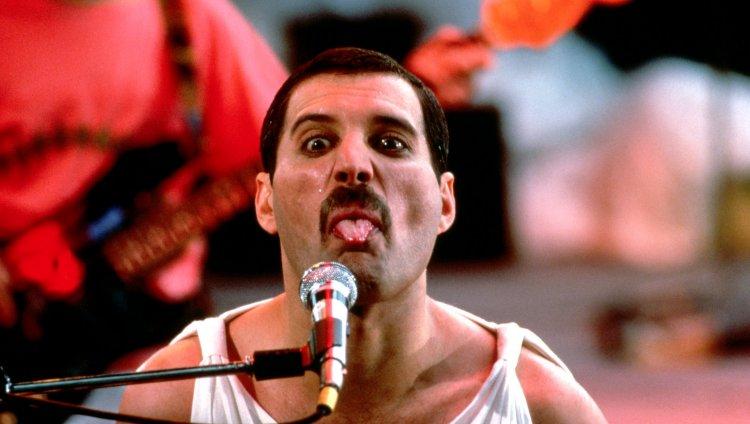 Mercury nos dejó el 24 de noviembre de 1991 en Kensington, Londres.