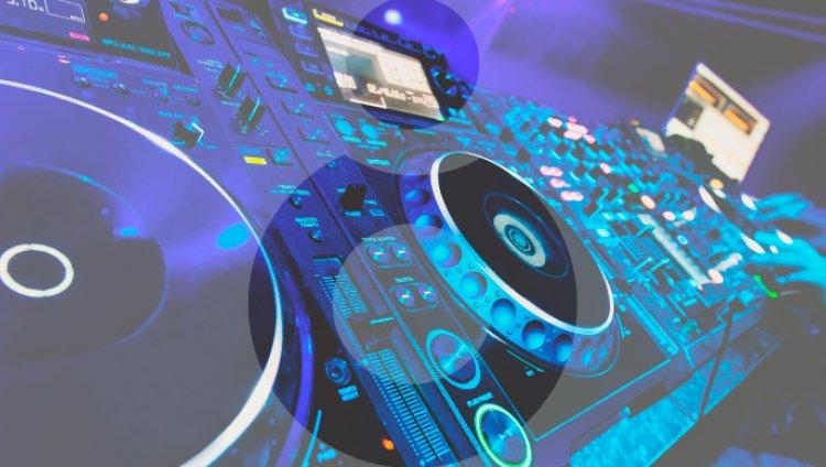 Sábado de sonidos electrónicos