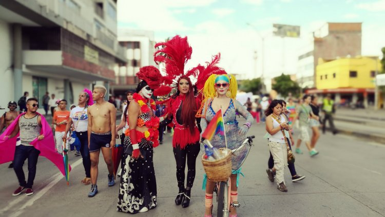 El «orgullo LGTB» reside en que ninguna persona debe avergonzarse de lo que es, sea cual sea su sexo o identidad sexoafectiva