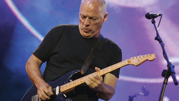 """Más de 20 años después, David Gilmour interpreta """"One Of These Days"""""""