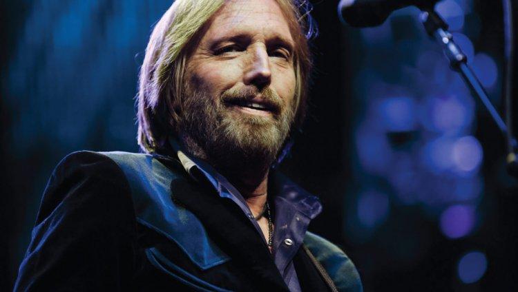 Charlie T. Wilbury, Jr. y Muddy Wilbury son algunos de los seudónimos bajo los cuales ha tocado Tom Petty.