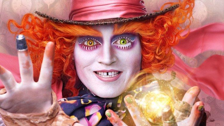 El nuevo tráiler de la secuela de Alice in Wonderland fue revelado durante la ceremonia de los Grammy Awards