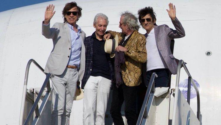 La gira Olé inició el 3 de febrero en Santiago de Chile.
