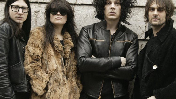 The Dead Weather son Alison Mosshart, Dean Fertita, Jack Lawrence y Jack White, y están juntos desde 2009.