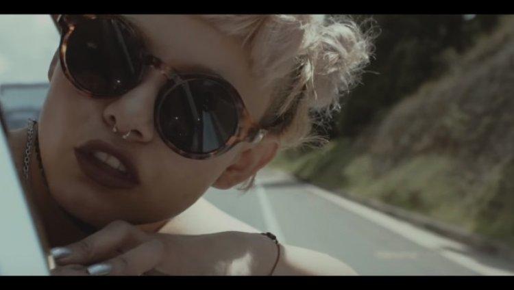Camila Vallejo, Venus Ofnight, Jacobo Pizarro y Samuel Hernández protagonizan el nuevo vídeo de TELEBIT