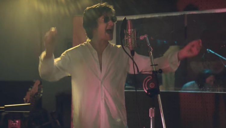 The Last Shadow Puppets en el estudio con su cover de 'Les Cactus'