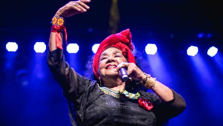 Totó la Momposina en concierto. Foto tomada de Zariri.com