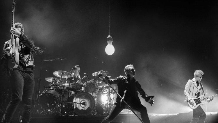 U2 en vivo. Foto: Sam Jones.