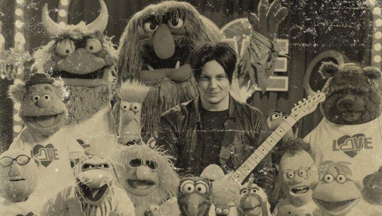 El 22 de septiembre de 2015 se emitió el primer capítulo de la renovada serie Los Muppets.