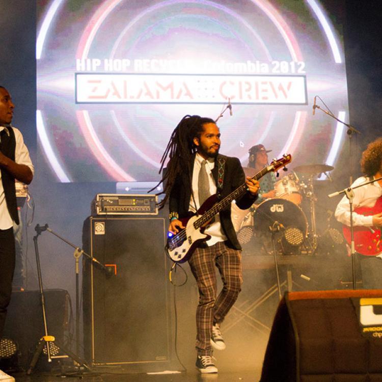Zalama Crew. En vivo Concierto Radiónica 2014 Cali